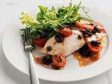 Риба тон с маслини, кориандър и вермут