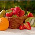 Плодове за здрава и красива кожа