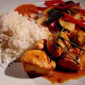 Червено пиле къри по тайландски с бял ориз