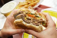 Някои мазнини стимулират брутално апетита ни