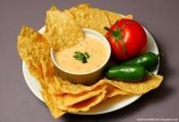 Чили кон кесо с тортила чипс