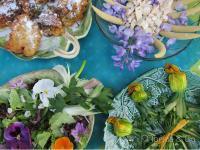 Цветя в чиниите